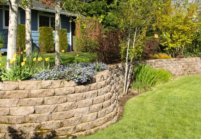Building a Retaining Wall at Home