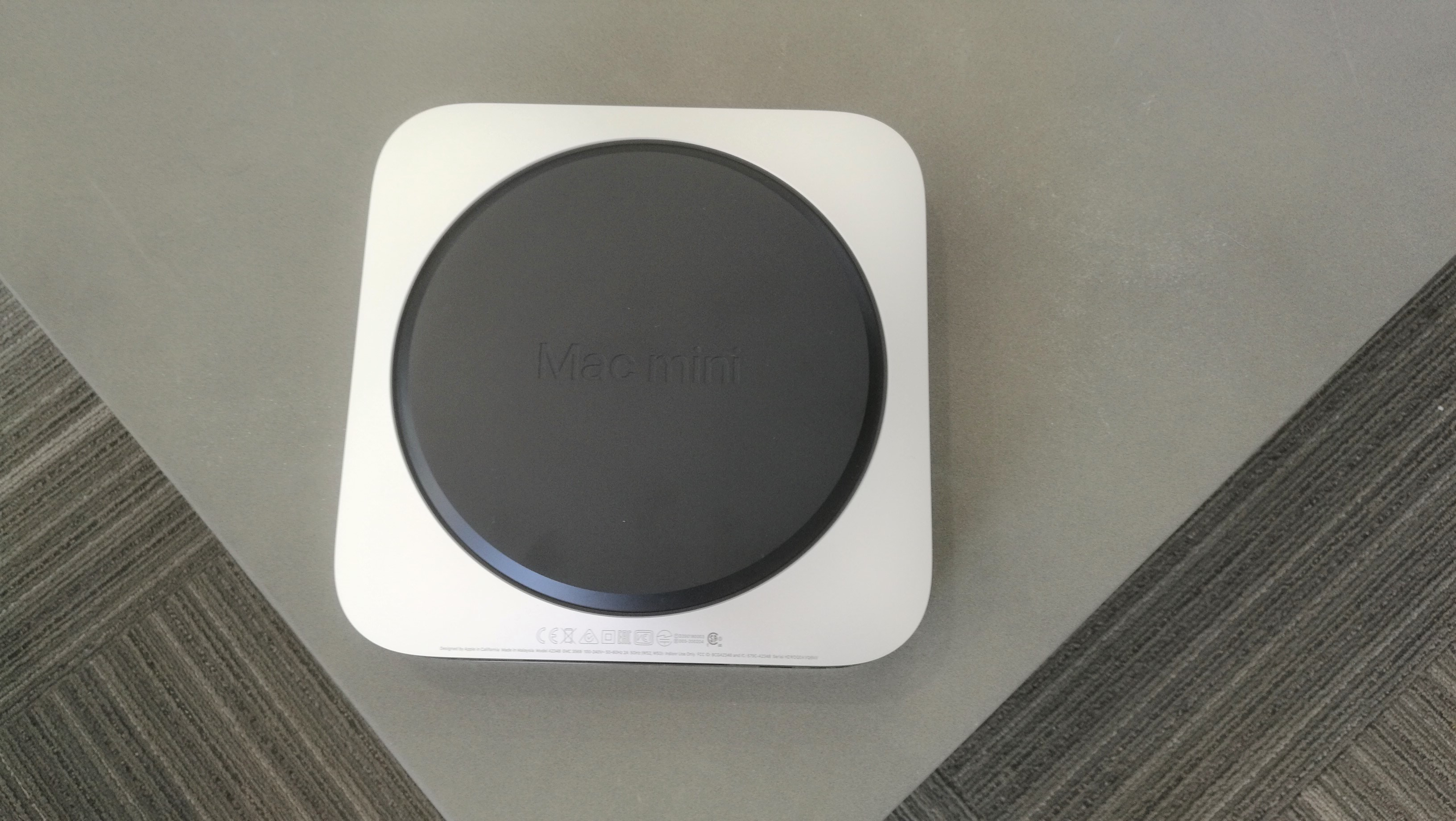 Apple Mac mini (M1, finales de 2020) Parte inferior