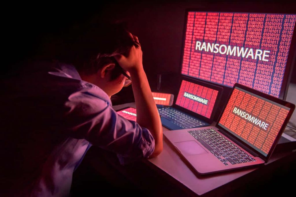 cso danger security threat malware ransomware by zephyr18 gettyimages 845470768 3x2 2400x1600 100796678 large.3x2 Cómo rescatar su PC del ransomware